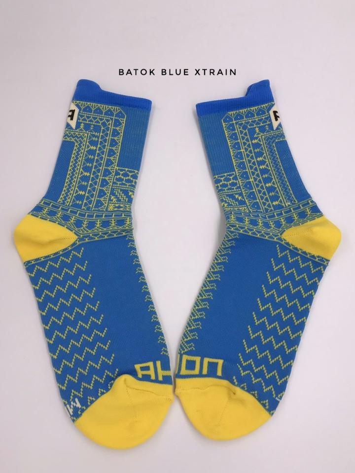 Batok-Blue-xtrain-socks